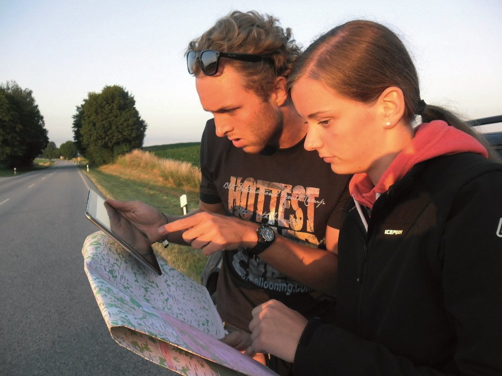 Chasing with map and tablet - Arne Lips